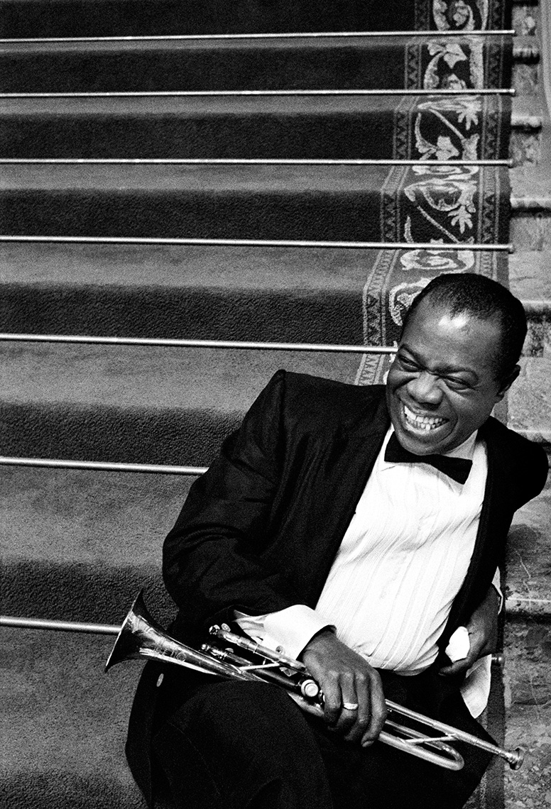 W264_Louis-Armstrong-Stairs.jpg
